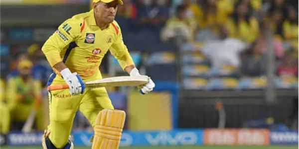 धोनी ने मारा ipl 11 का दूसरा सबसे लंबा छक्का,पहले नंबर पर गेल नहीं ये बल्लेबाज है