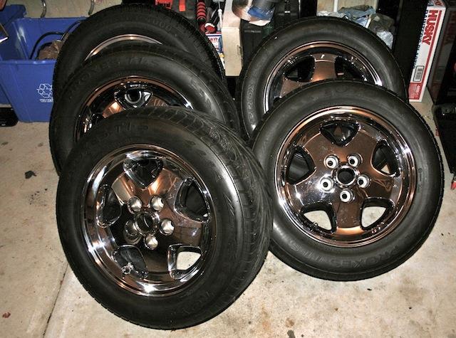 For Sale 4 X Xjs Chrome Wheels