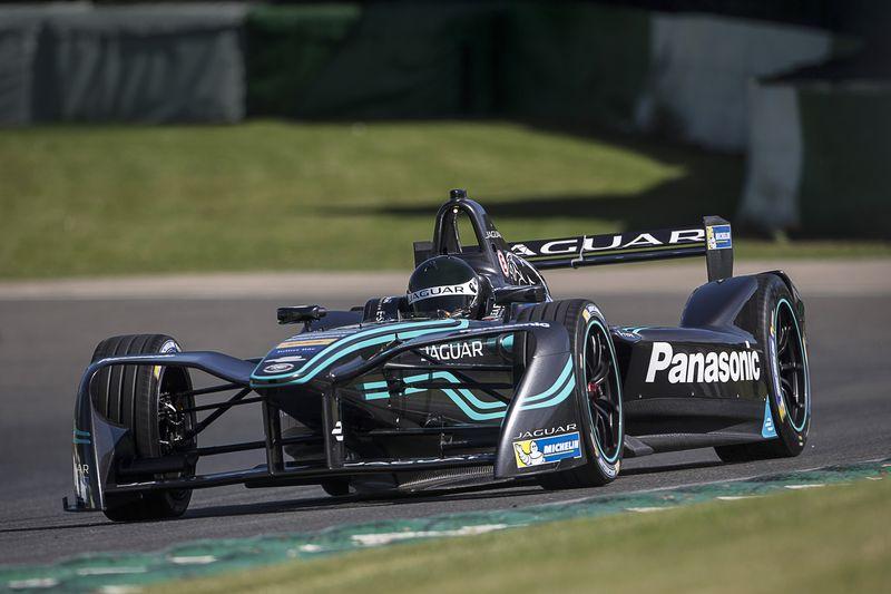 1-panasonic-jaguar-racing-i-type-front-2