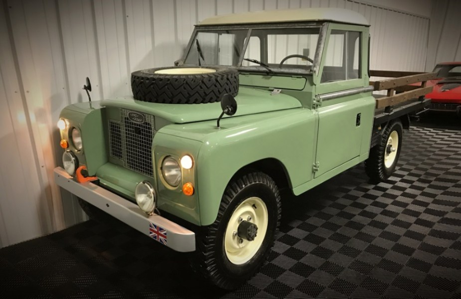 Jaguarforums.com Land Rover Series IIA truck rare auction block find BArrett Jackson