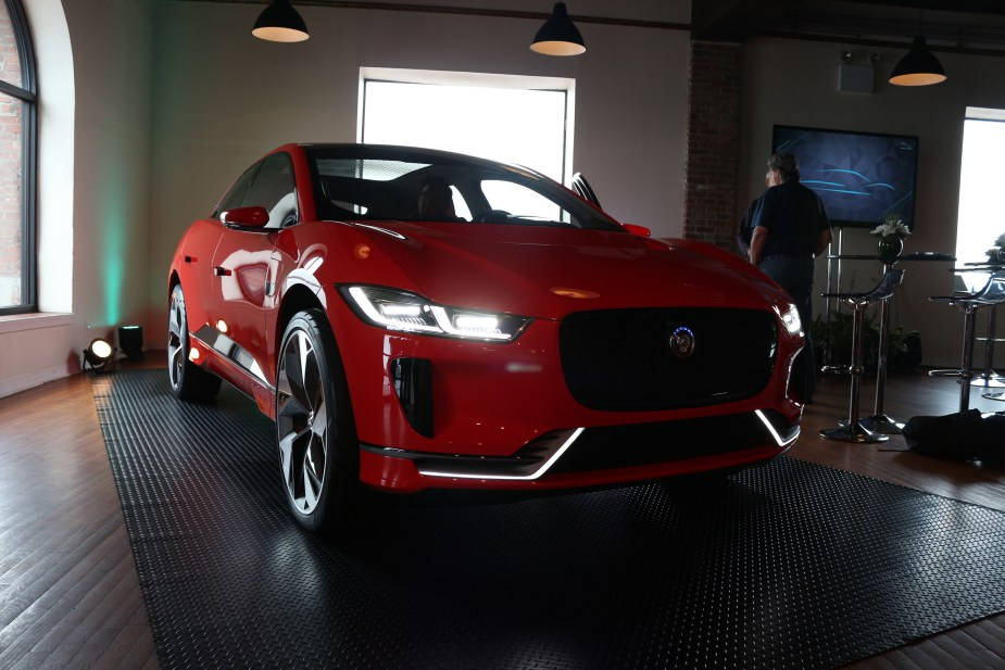 Jaguarforums.com 2018 Jaguar I-PACE Concept EV SUV Electric Vehicle FIA Formula E Brooklyn ePrix