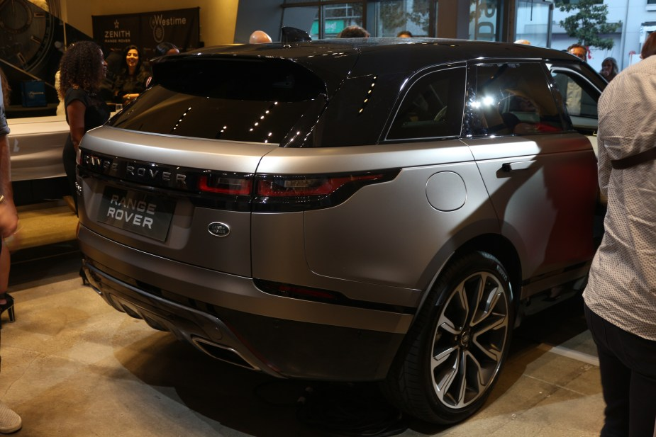 Jaguarforums.com Jaguarforums Jaguar Land Rover Velar 2018 Details Info Hollywood Unveil Los Angeles
