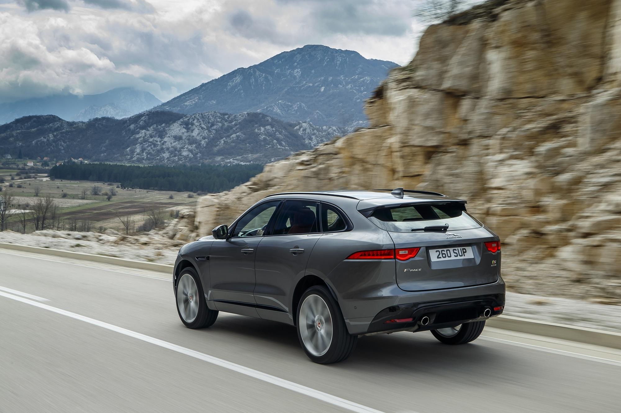 Jaguar F-PACE SUV 2019 News Updates Changes Options Colors Interior MPG Price Jaguarforums.com