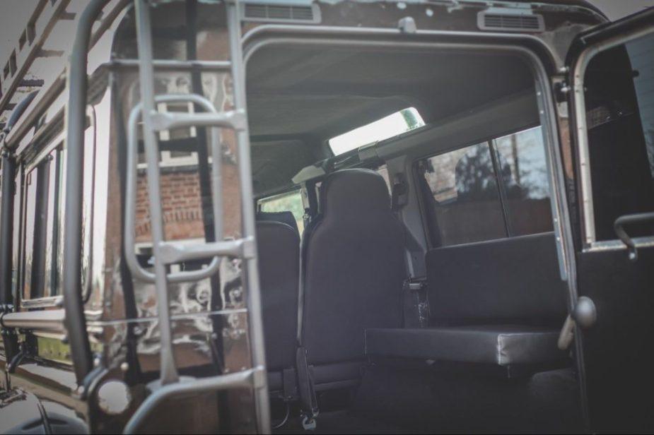 Spectre Land Rover Defender