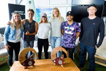 Press-conference-2018-with-past-surfer-winners