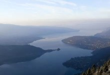 vue du lac depuis les hauteurs