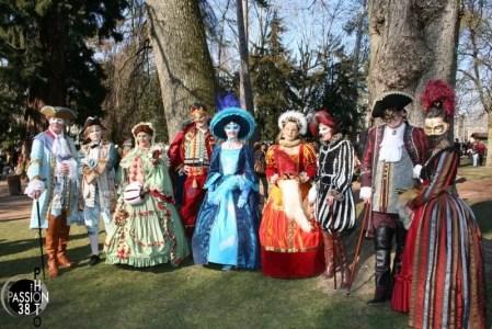 groupe à Annecy pour le carnaval vénitien