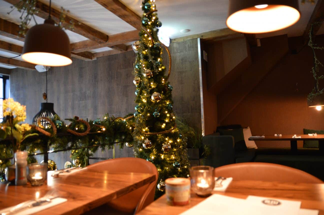 Layout of Bleu Bistro| Travel Blogger| Quiet Travel| Solo Dining in Amsterdam: Where to DIne Alone