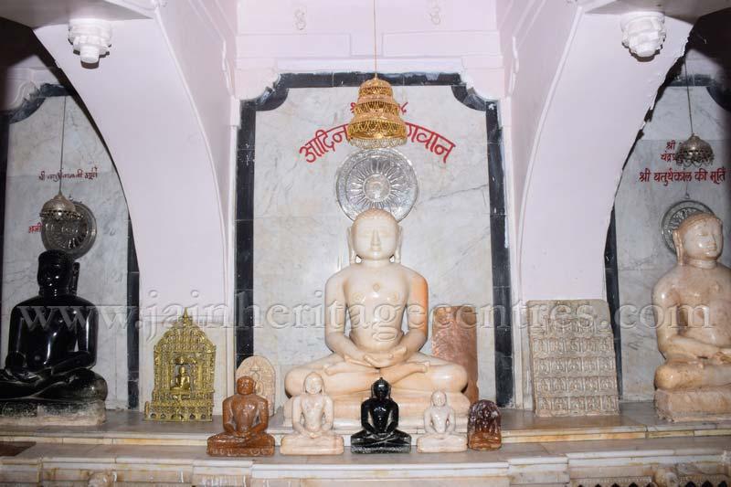 ancient_digambar_jain_temple_-_gogha_-_gujarat_20160517_1201373242