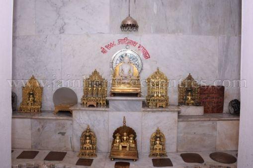 ancient_digambar_jain_temple_-_gogha_-_gujarat_20160517_2010172953