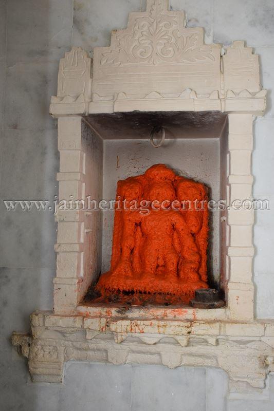 ancient_digambar_jain_temple_-_gogha_-_gujarat_20160517_2072492752