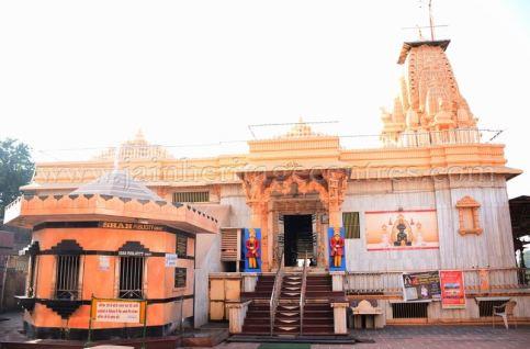 sri_parshwanath_swamy_digambar_jain_temple_mahuva_karnataka_20150601_1593403065