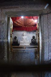 sri_chandraprabhu_digambar_jain_temple_at_pavagadh_20160917_1513287503