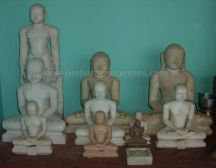 ancient_sri_vijaya_parshwanatha_swamy_temple_chamarajanagar_20120907_1803156809