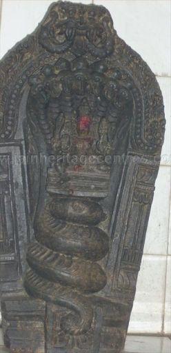ancient_sri_vijaya_parshwanatha_swamy_temple_chamarajanagar_20120907_2059480253