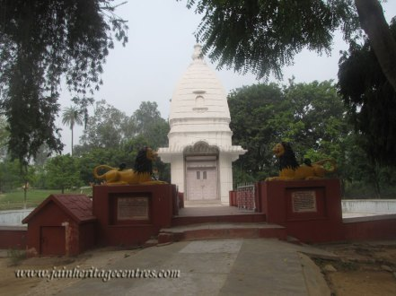 hastinapur_-_badamandir_complex_20111021_1071522212