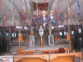 hastinapur_-_badamandir_complex_20111021_1382436595