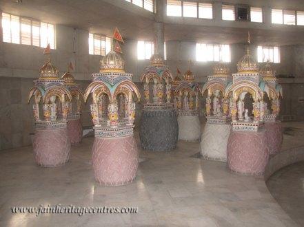 hastinapur_-_badamandir_complex_20111021_1524604433
