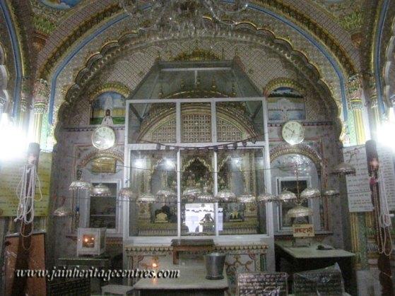 hastinapur_-_badamandir_complex_20111021_1612183440