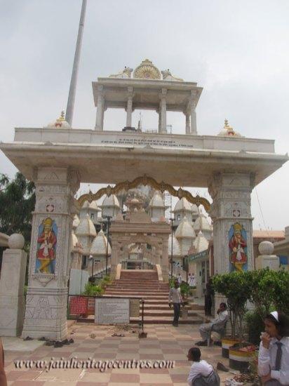 hastinapur_-_kailash_parvat_mandir_20111021_1420768348