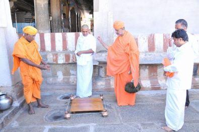 manikya_keerthiji_diksha_programme_shravanabelagola_20130124_1907578825