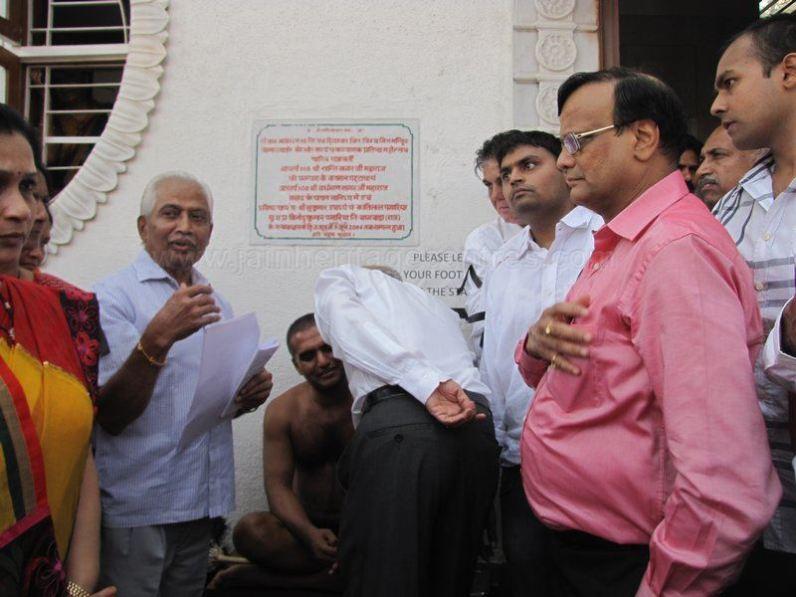 protest_at_bangalore_against_the_attack_on_jain_muni_at_girnar_20130106_1306441788