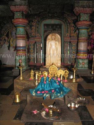 sri_chandranath_swamy_digambar_jain_temple_kelasuru_20131128_2046560373