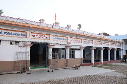 1008_sri_chandraprabhu_swamy_digambar_jain_temple_navada_bihar_20151107_1490648474