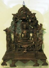 new_delhi_-_bronze_idol_at_national_museum_20120524_1353107052