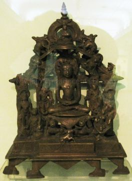 new_delhi_-_bronze_idol_at_national_museum_20120524_1353107052