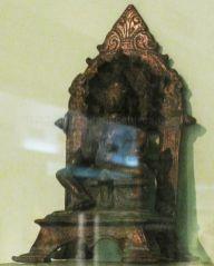 new_delhi_-_bronze_idol_at_national_museum_20120524_1359591730