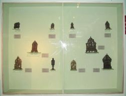 new_delhi_-_bronze_idol_at_national_museum_20120524_2088433382