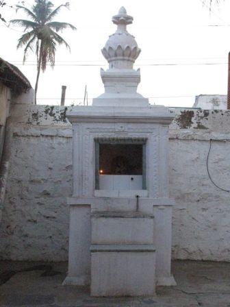 sri_adinatha_swamy_digambar_jain_temple_amarapura_20120522_1998605276