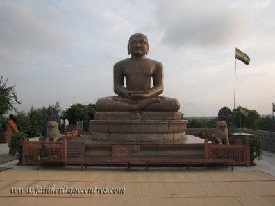 Idol of Lord Mahavir in Pdmasana