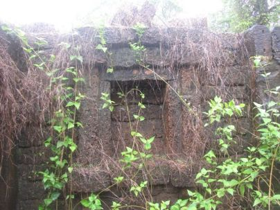 bandivade_jain_ruins_ponda_goa_20120711_1938523869