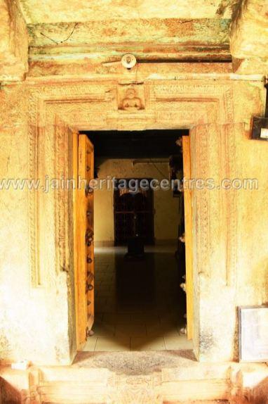 Entrance of Sri Parshwanath Jain temple.