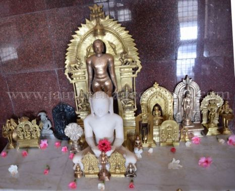 Karnataka_Tumkur_Kuchhangi_Parshwanath_Digambar_Jain_Temple_0014