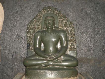 ancient_sri_parshwanatha_swamy_temple_ammanagi_20120907_1870375468