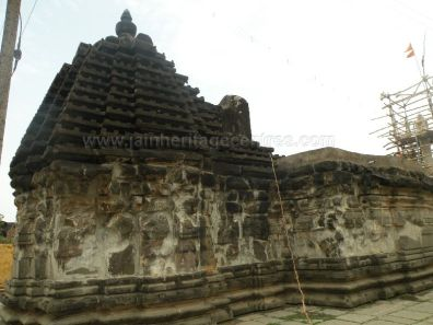 ancient_sri_parshwanatha_swamy_temple_ammanagi_20120907_1922892904