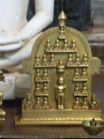 ancient_sri_parshwanatha_swamy_temple_ammanagi_20120907_2078535948