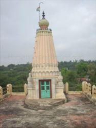 ancient_sri_parshwanatha_swamy_temple_amminabhavi_20120907_1179009923
