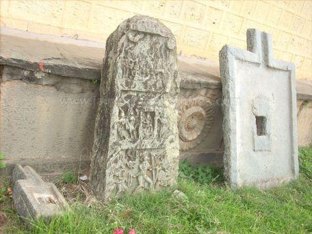 ancient_sri_parshwanatha_swamy_temple_amminabhavi_20120907_1451695416