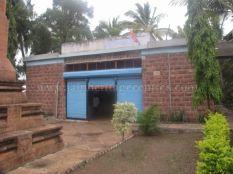 jain_idols_and_temples_at_alaguru_-_jamakhandi_taluk_-_bagalkote_dsitrict_-_karnataka_-_india_20160515_1322970842