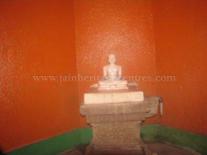 jain_idols_and_temples_at_alaguru_-_jamakhandi_taluk_-_bagalkote_dsitrict_-_karnataka_-_india_20160515_1783869478