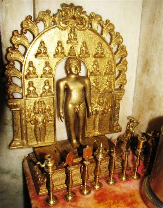 sri_ananthanatha_swamy_digambar_jain_temple_hosaholalu_20120828_1080119727