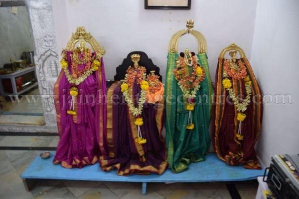 sri_chandraprabhu_swamy_digambar_jain_temple_-_tovinakere_20160515_1932640572
