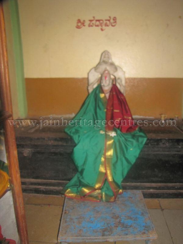sri_digambar_jain_temple_alaguru_-_karnataka_20160515_1903653417