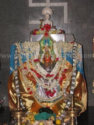 sri_parshwanath_swamy_and_padmavati_devi_digmabar_jain_temple_-_vadanabylu_20160515_1198389656