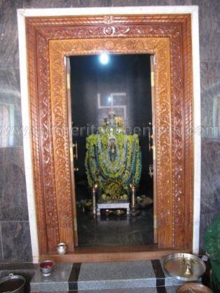 sri_parshwanath_swamy_and_padmavati_devi_digmabar_jain_temple_-_vadanabylu_20160515_2044120187