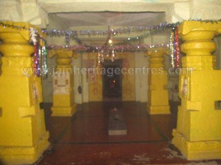 sri_shanthinath_and_anathanath_swamy_digambar_jain_temple_-_kandikere_20160515_1549308587